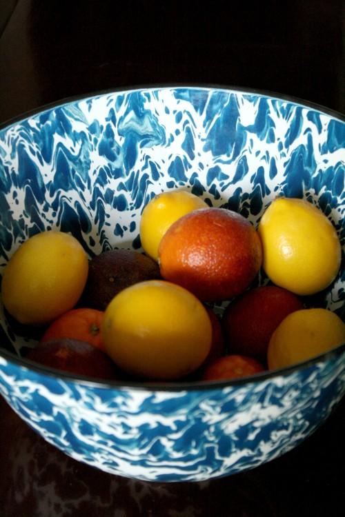 fruit-vintage-bowl